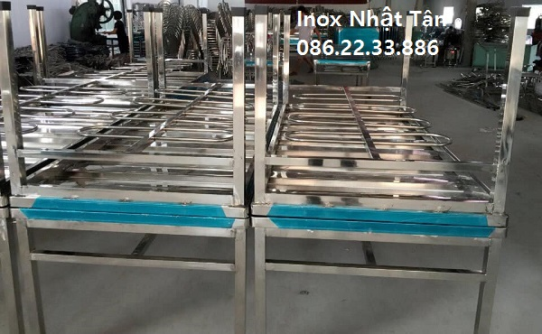 ban-inox-cong-nghiep